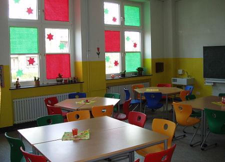 www.bonifatiusschule-marl.de/userimages/raeumlichkeiten/essraum02.jpg