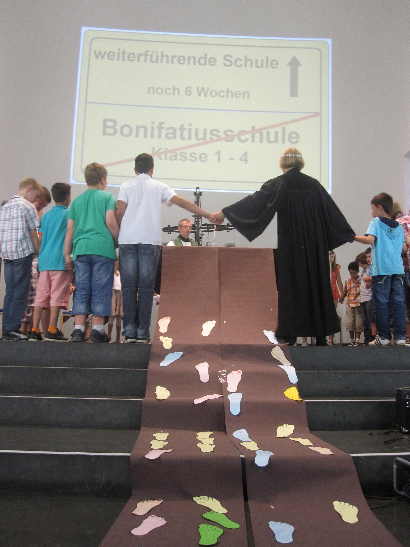 www.bonifatiusschule-marl.de/userimages/verabschiedungsfeier/Gottesdienst.JPG